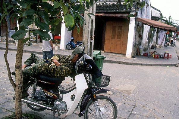 ホイアン2・ベトナム 2004