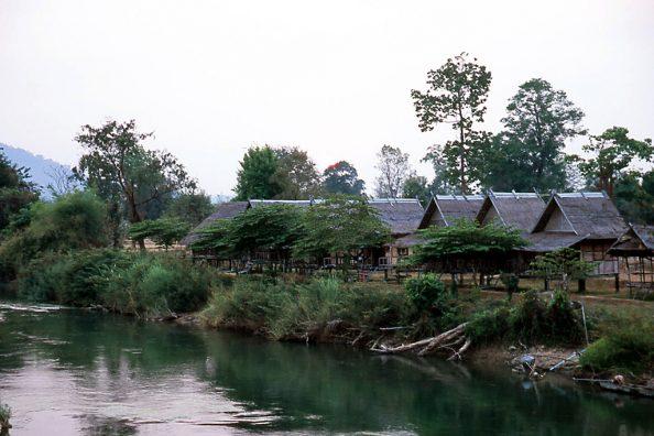 バンビエン、デット島・ラオス 2004