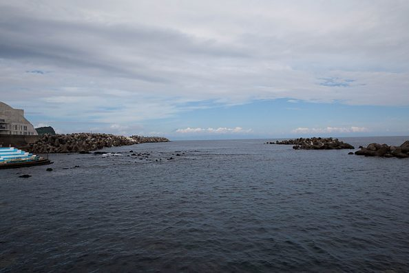 伊豆大島の旅、日の出浜と岡田港